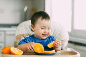 O que fazer quando o bebê não quer comer como antes